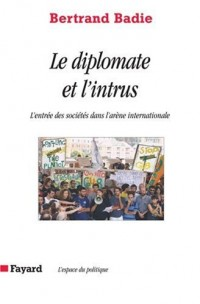 Le diplomate et l'intrus : L'entrée des sociétés dans l'arène internationale