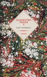 Slaughterhouse-Five Or The Children's Crusade : A Duty-dance with Death [Poche]