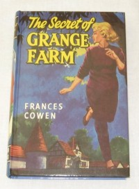 The Secret of Grange Farm (Retro Classics)
