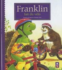Franklin fait du vélo
