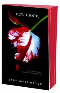 New Moon: Red Edged Special Edition (Twilight Saga)