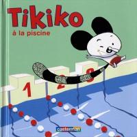 Tikiko à la piscine