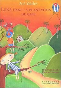 Luna dans la plantation de café