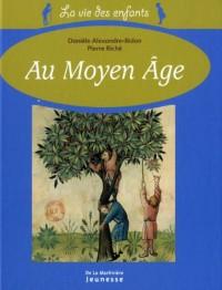 La vie des enfants au Moyen-Age