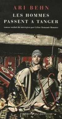 Les hommes passent à Tanger