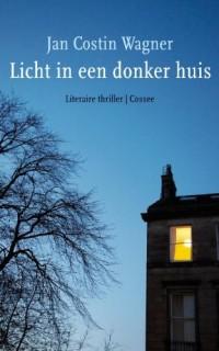 Licht in een donker huis: roman