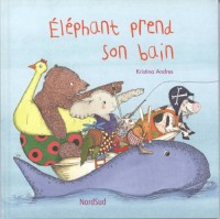Eléphant prend son bain